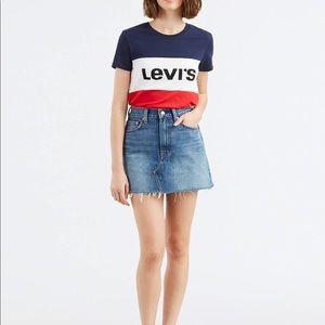Levi's Women's Deconstructed Fray Hen Denim Skirt